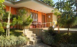 villa di ciater dengan kolam renang air panas pribadi